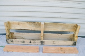 DIY PALLET SHELVES THE KINDRED STREET