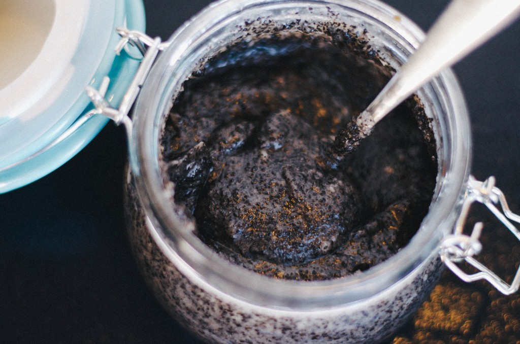 DIY COFFEE BODY SCRUB-THE KINDRED STREET 13